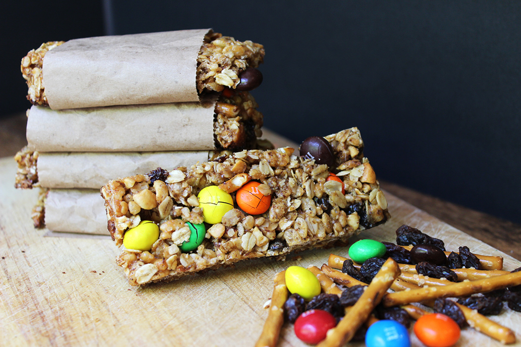 Crispy & Chewy Trail Mix Granola bars have all the same flavors of ...