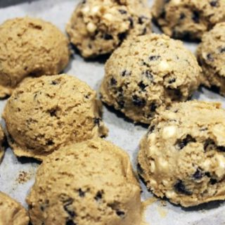 Raw eggless cookie dough