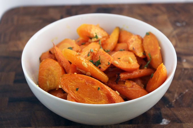 Roasted Ginger and Garlic Carrots