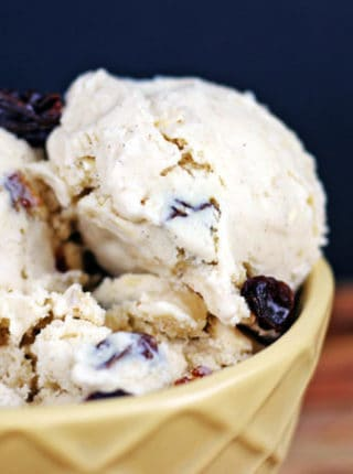 No cook, egg free Oatmeal Raisin Cookie Batter Ice Cream! Ready to churn in just 2 minutes and taste's like you are licking the bowl of Cold Stone's oatmeal raisin cookie batter ice cream!