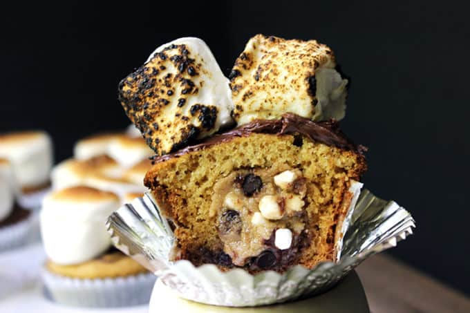 Safe to eat, Eggless S'mores Cookie Dough is a great snack or topping in things like ice cream, baked into cupcakes, or oatmeal. Made with graham cracker crumbs, chocolate chips and mini cereal marshmallows!