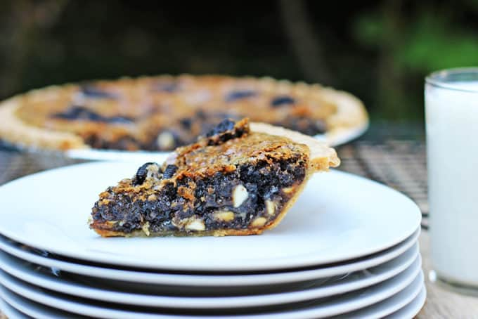 A deliciously melty, warm, Oreo chunk cookie with white chocolate chips baked into a buttery crisp pie crust. Serve alone (this is a very rich pie!) or with ice cream or whipped cream.