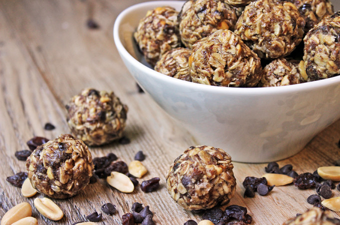 Peanut Butter & Chocolate No-Bake Granola Energy Bites