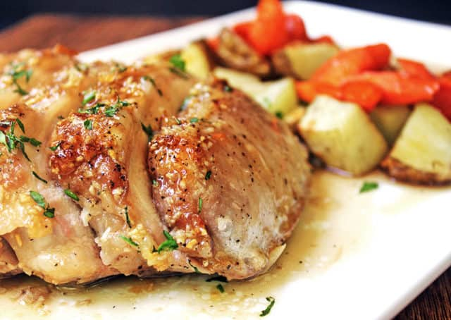Just 6 ingredients and less than an hour are all that separate you from this awesome caramelized Brown Sugar Garlic Pork and roasted vegetables.