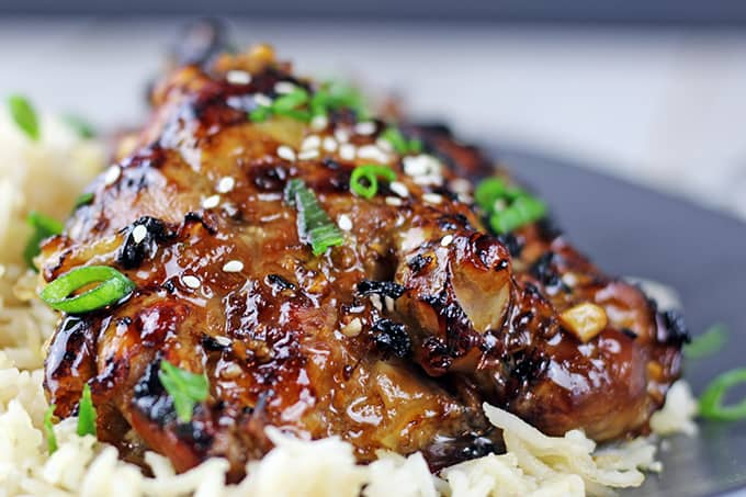 5 Ingredient Sticky and sweet, this chicken is roasted in the oven covered in a Honey-Soy sauce with ginger and garlic and is ready in 30 minutes!. Serve with steamed rice for the perfect quick and easy meal!