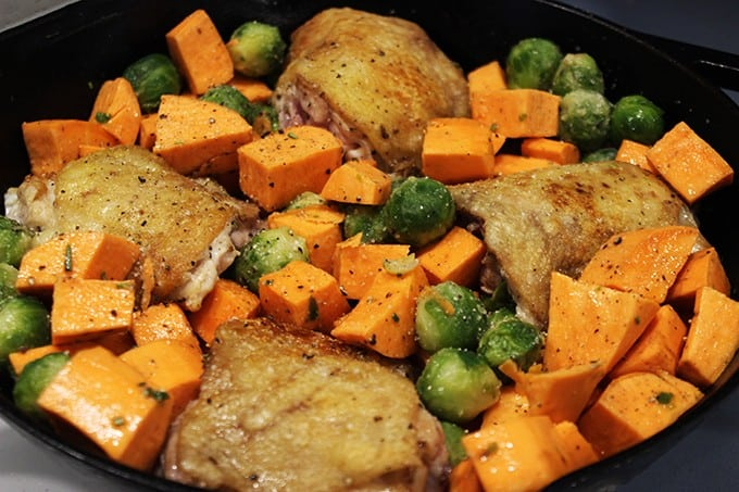 Made in one skillet, this One Pot Roasted Rosemary Chicken with Fall Vegetables is full of flavor even though it only has seven ingredients, TOTAL. Yes, seven ingredients for the whole meal, and only one pan to get dirty. This is the perfect meal to make on a school night when you're looking for something healthy, hearty and well balanced.