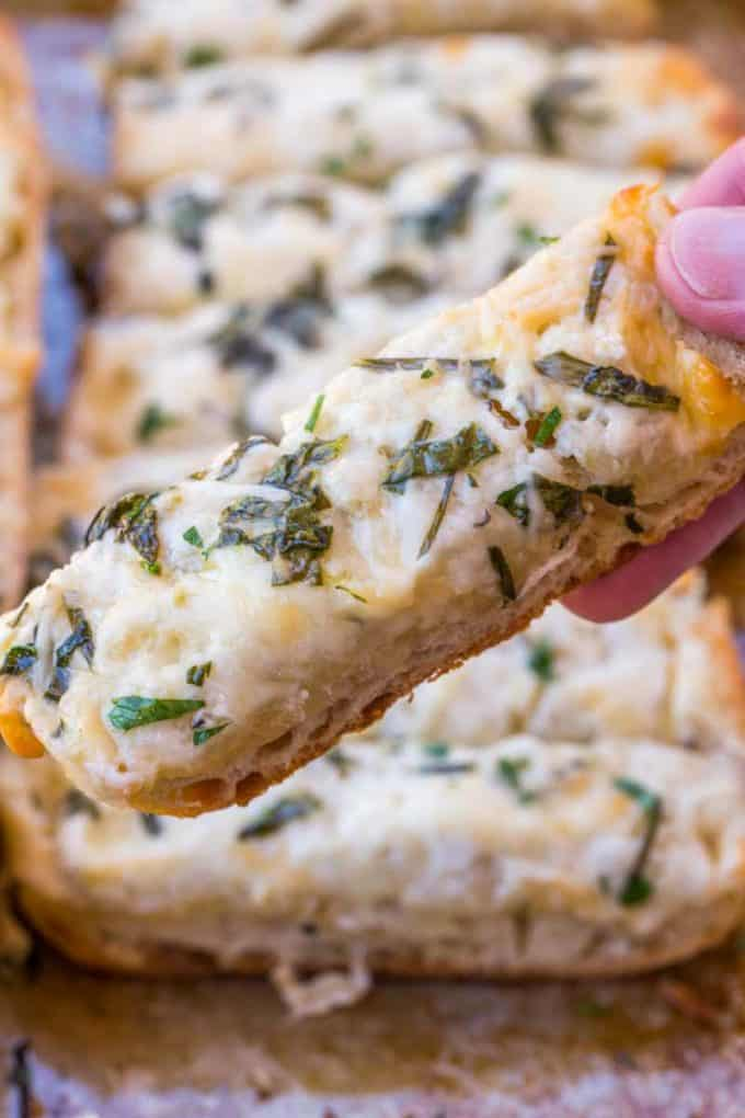 Easiest Appetizer ever! Spinach Artichoke Dip Cheesy Bread!