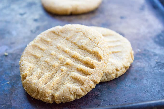 Flourless Peanut Butter Cookies with just 4 Ingredients Total! One bowl, one whisk and some delicious, amazing Peanut Butter cookies.