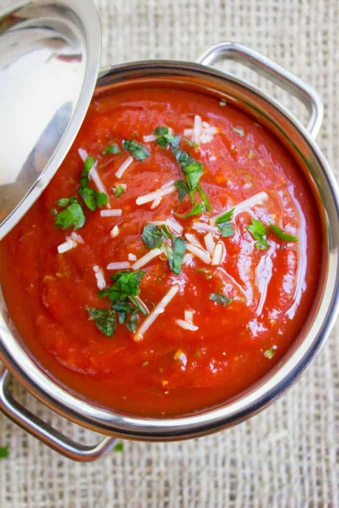 Easy marinara sauce made with fresh ingredients