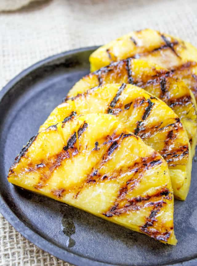 bbq pineapple ready to serve