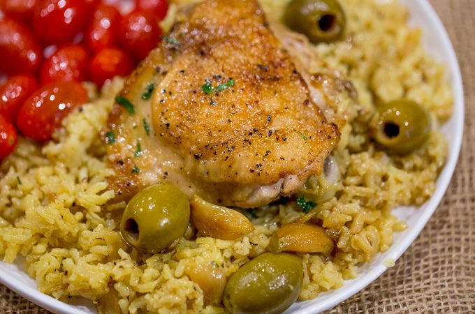 Spanish Olives Chicken and Rice (One Pan!)