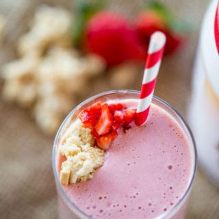 Strawberry Shortcake Smoothie made with Burt?s Bees Vanilla Protein Shake powder makes the most amazing cake-y healthy smoothie you'll want to help shake up healthier eating.