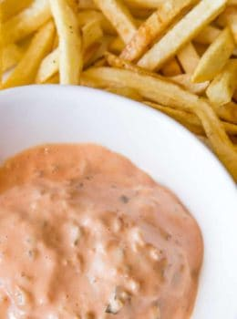 We love this In-N-Out Spread Dipping Sauce and it is so easy to make!