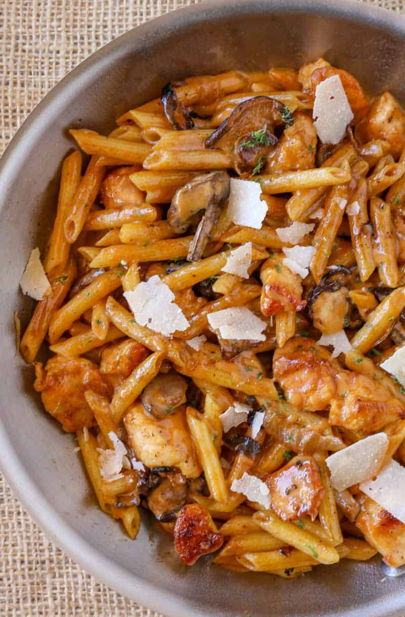 The perfect Cheesecake Factory Pasta Da Vinci Copycat! with creamy mushroom madeira sauce.