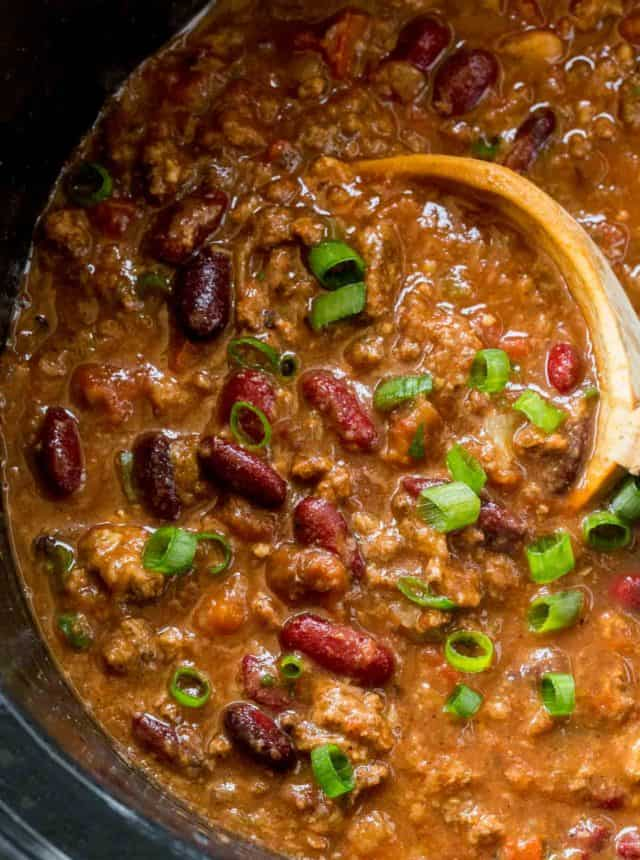 beef chili recipe made in the slow cooker