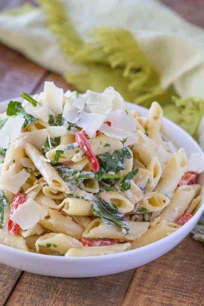 Cheesy Florentine Pasta in bowl