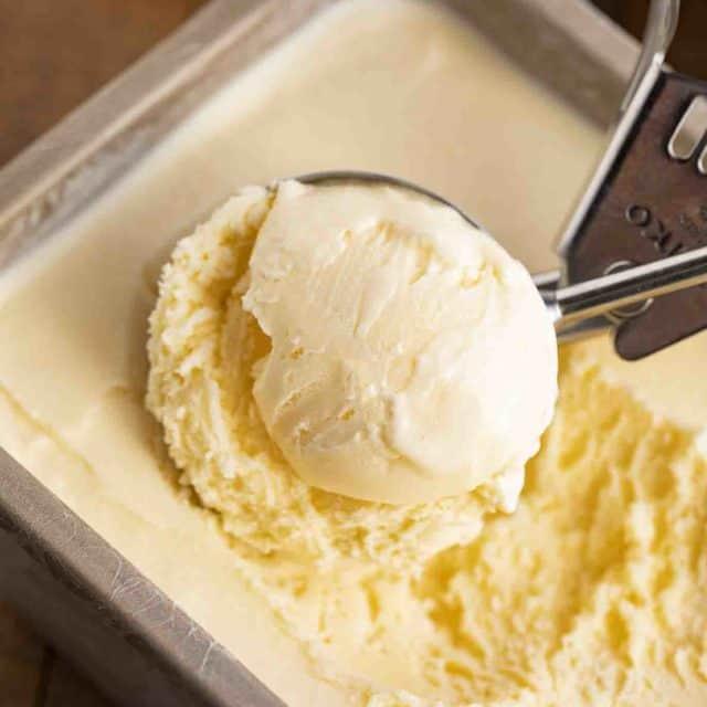 Creamy Easy Vanilla Ice Cream