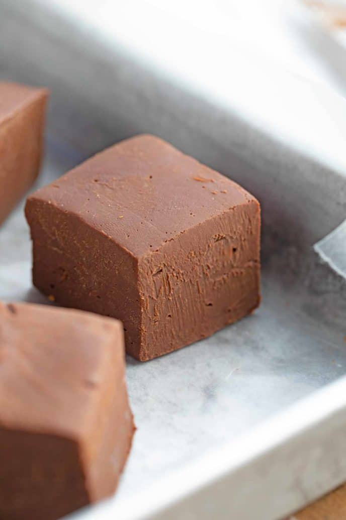Easy Chocolate Fudge with 3 Ingredients