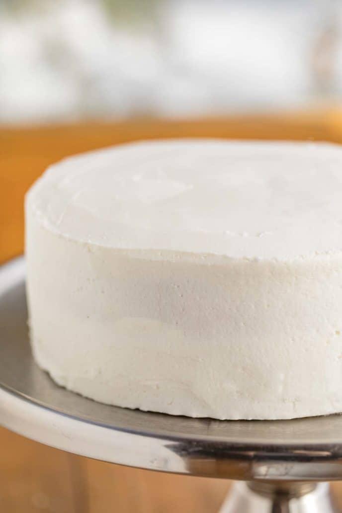 Vanilla Cake with Buttercream Frostin