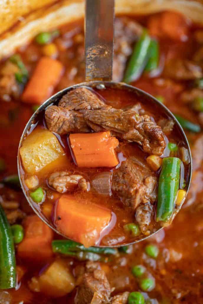 Guiso clásico de carne y verduras