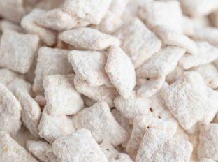 White Chocolate Muddy Buddies