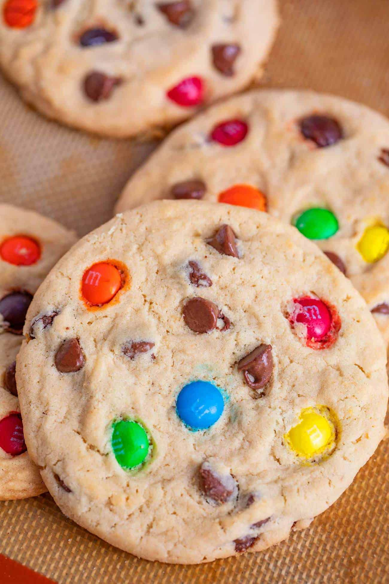 Easy M&M Chocolate Chip Cookies