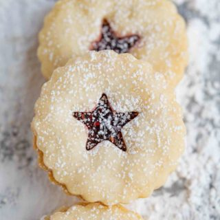 Linzer Cookies with Raspberry Filling