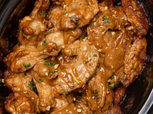 Slow Cooker Thai Peanut Chicken Wings