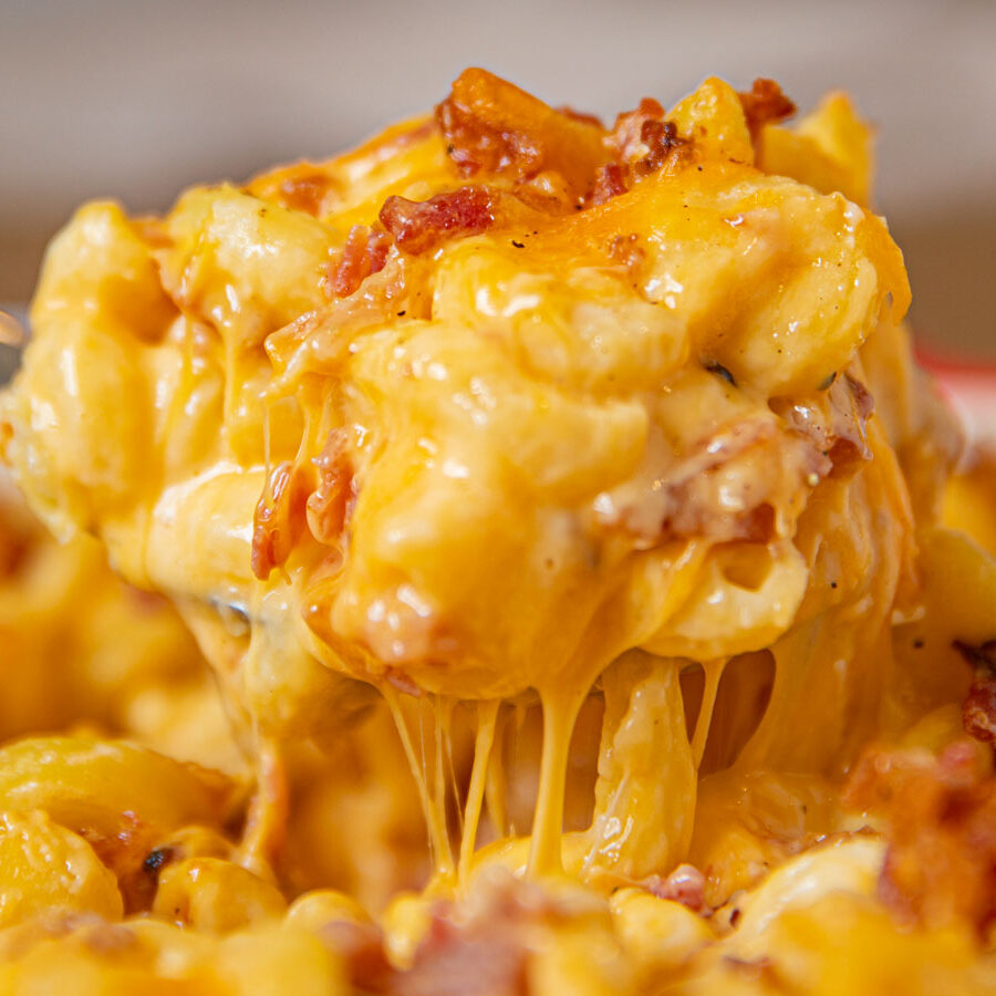 Bacon Mac and Cheese scoop