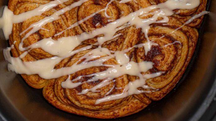 Crockpot Cinnamon Rolls