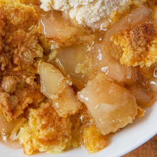 Apple Crumble in bowl