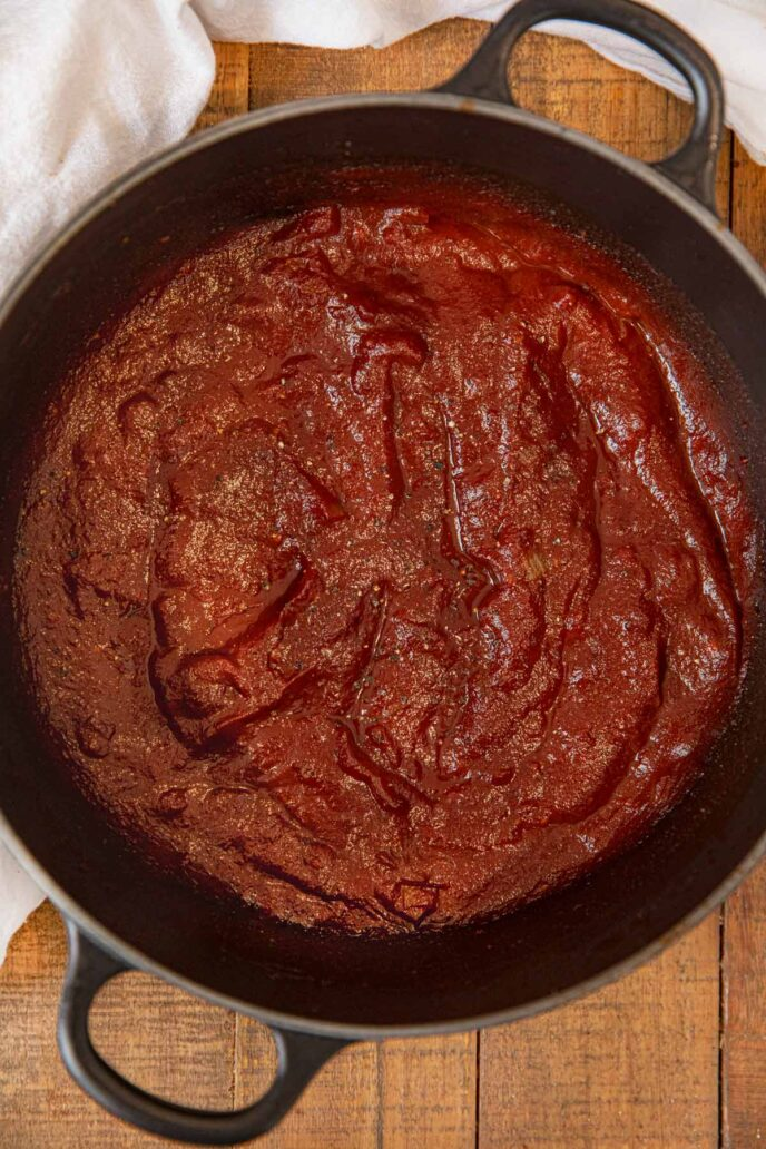 Memphis BBQ Sauce in black pot