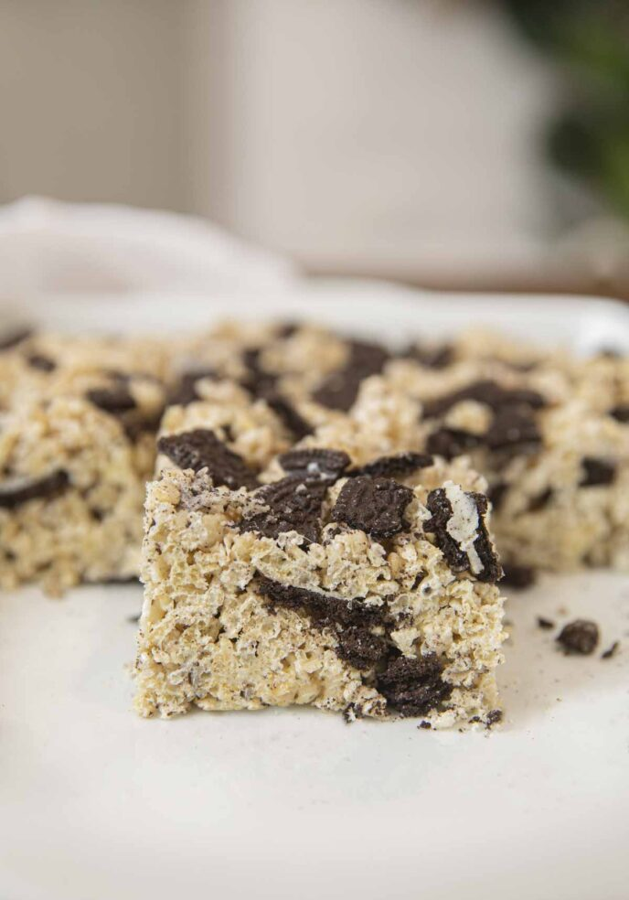 Oreo Rice Krispies Treat in baking dish