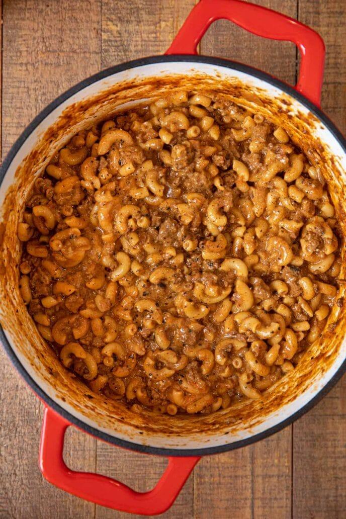 Chili Mac in pot