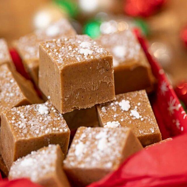 Gingerbread Fudge bites in decorative box