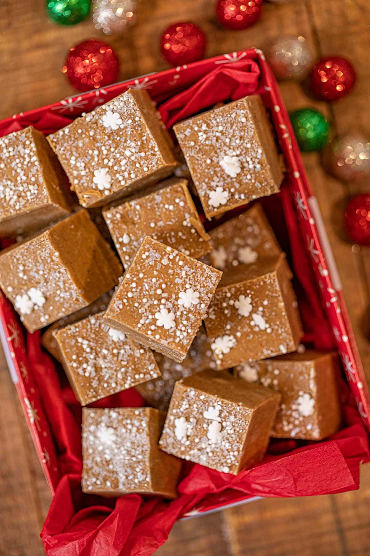 Gingerbread Fudge bites in decorative box