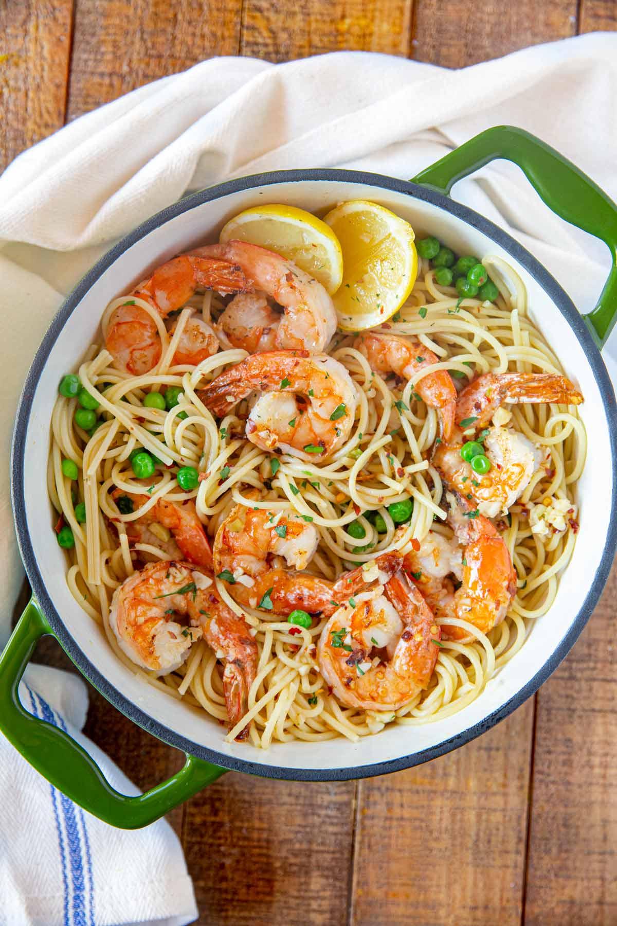 Shrimp Scampi Pasta in green pot