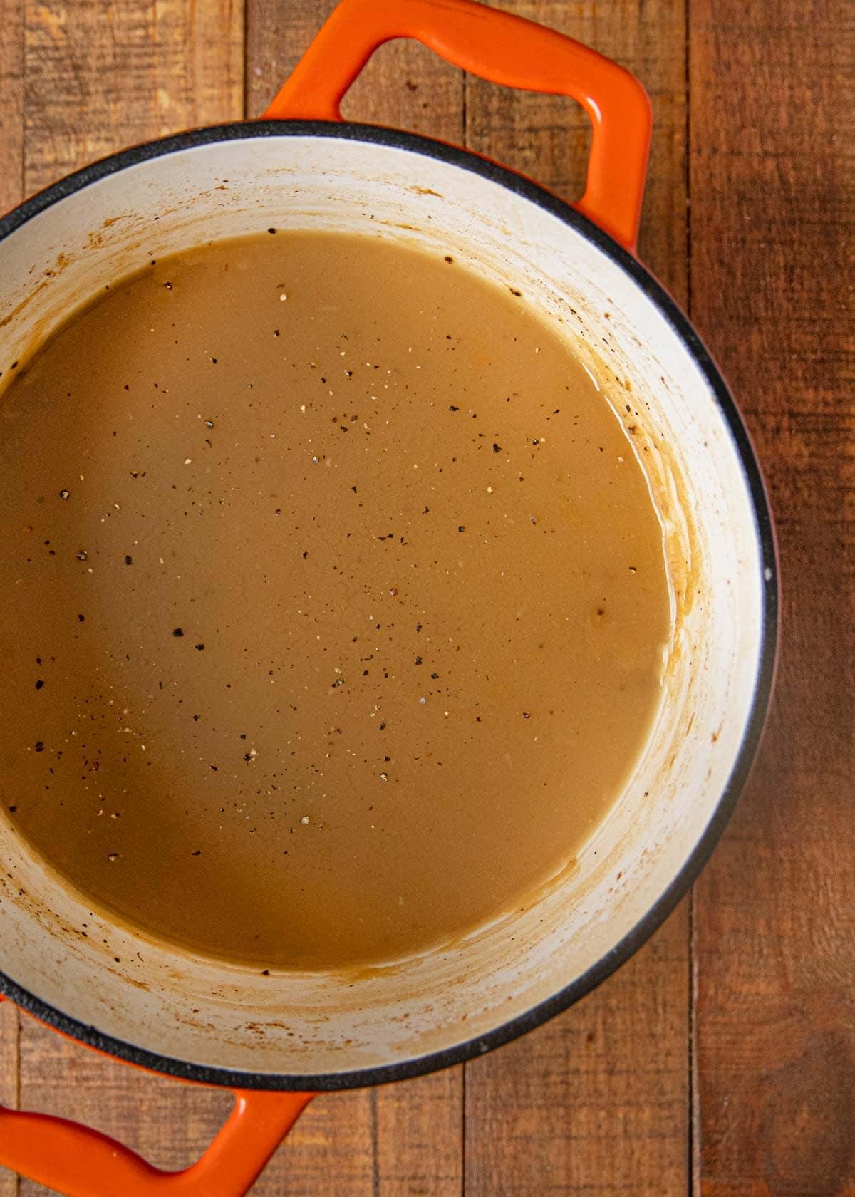 Make-Ahead Turkey Gravy in pot
