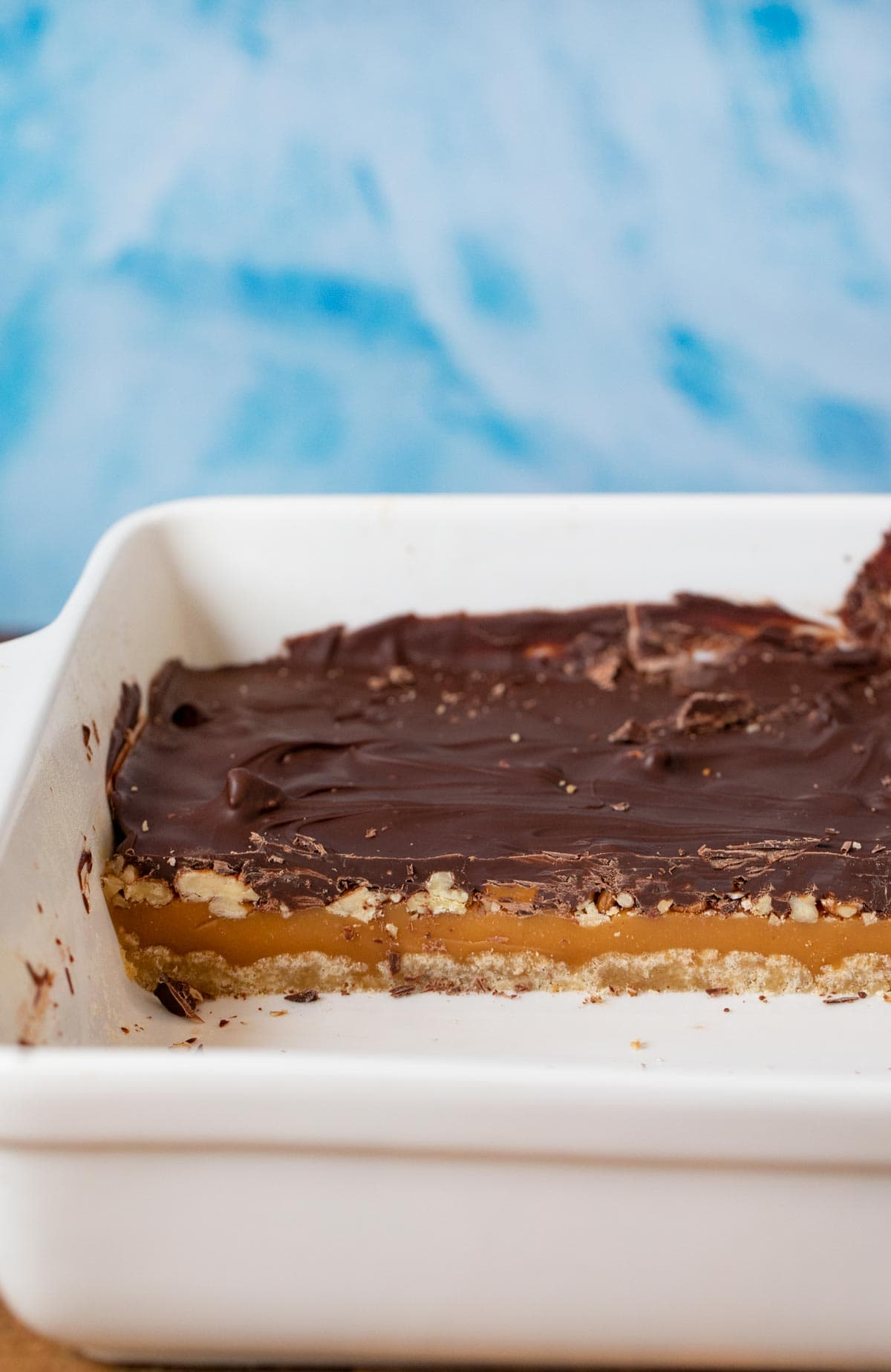 Turtle Bars cross-section in baking dish