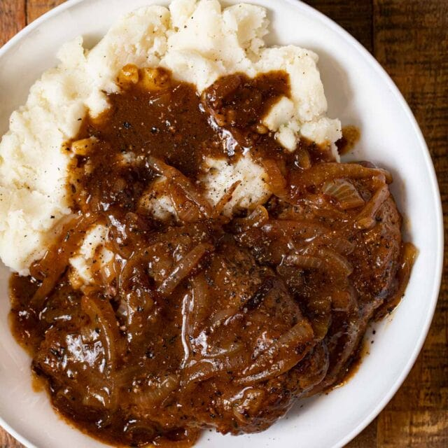 Cube Steak and Gravy on plate with mashed potatoes