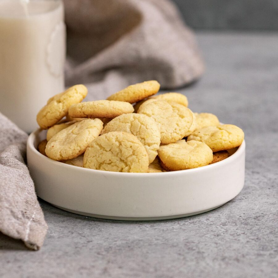 Nilla Wafer Cookies (Copycat) in serving bowl