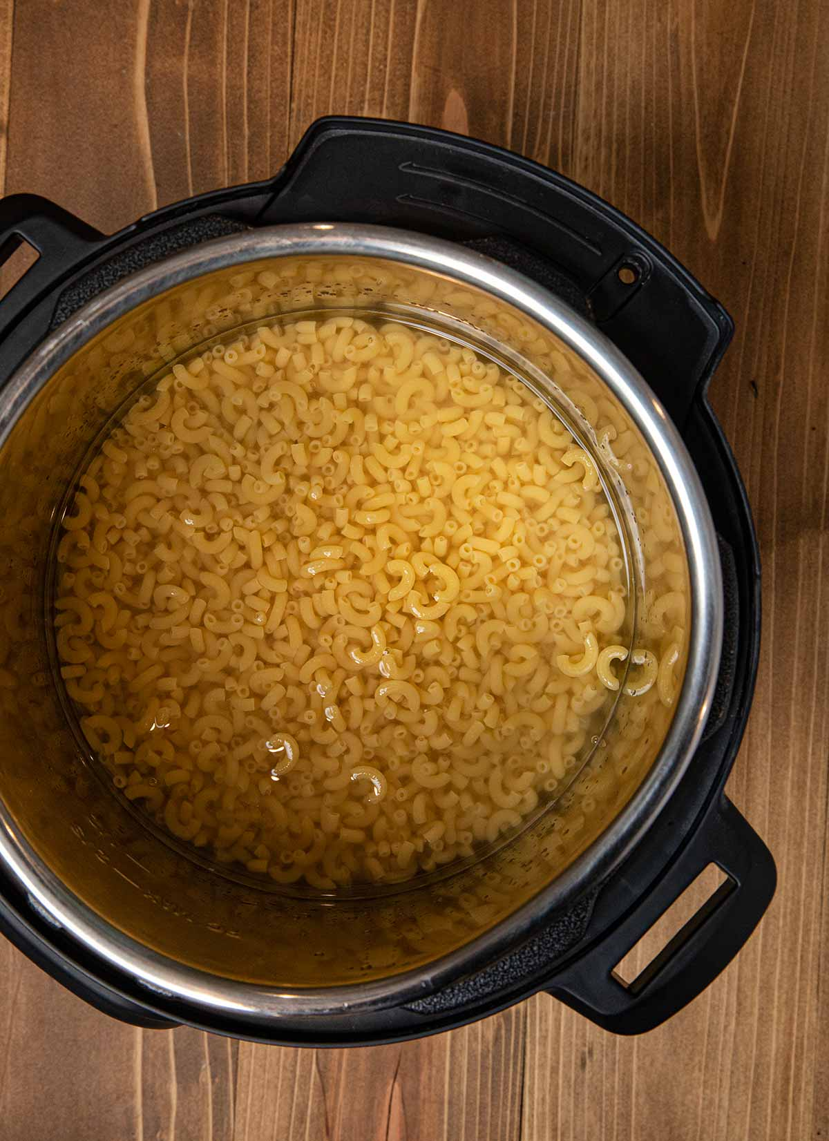 Instant Pot Macaroni and Cheese macaroni and water in instant pot