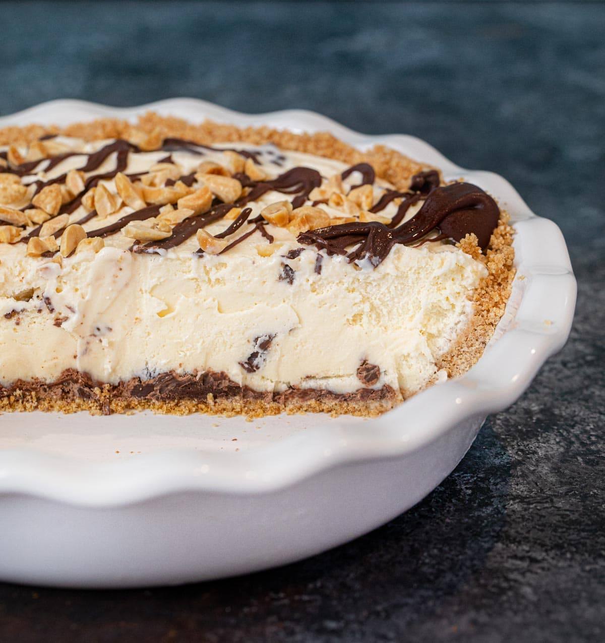 cross-section of Ice Cream Sundae Pie in pie plate